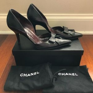 CHANEL D'Orsay bow accent heels pumps